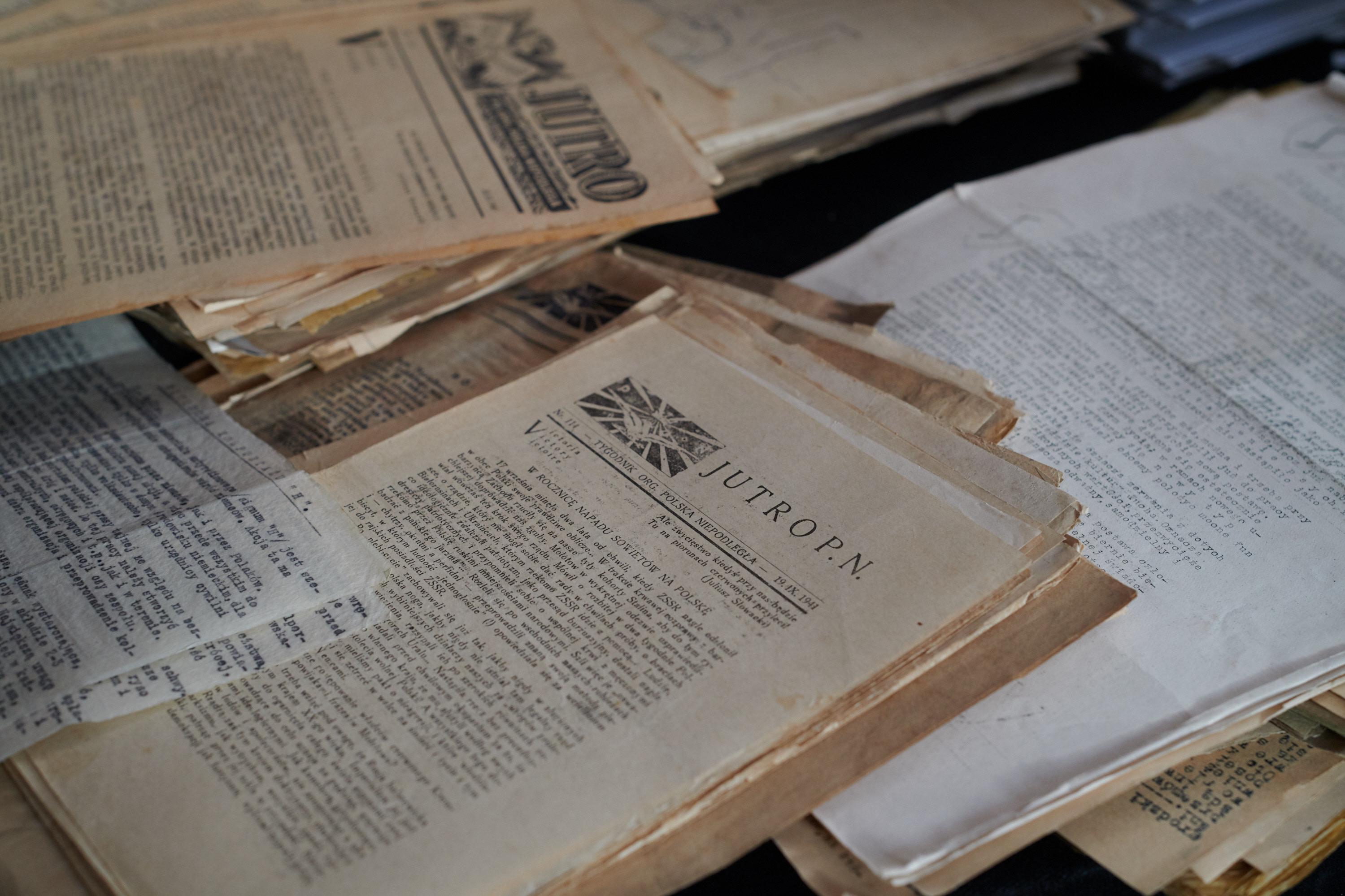 pge-przekazala-muzeum-pamieci-powstania-warszawskiego-unikalne-dokumenty-ak_1.jpg