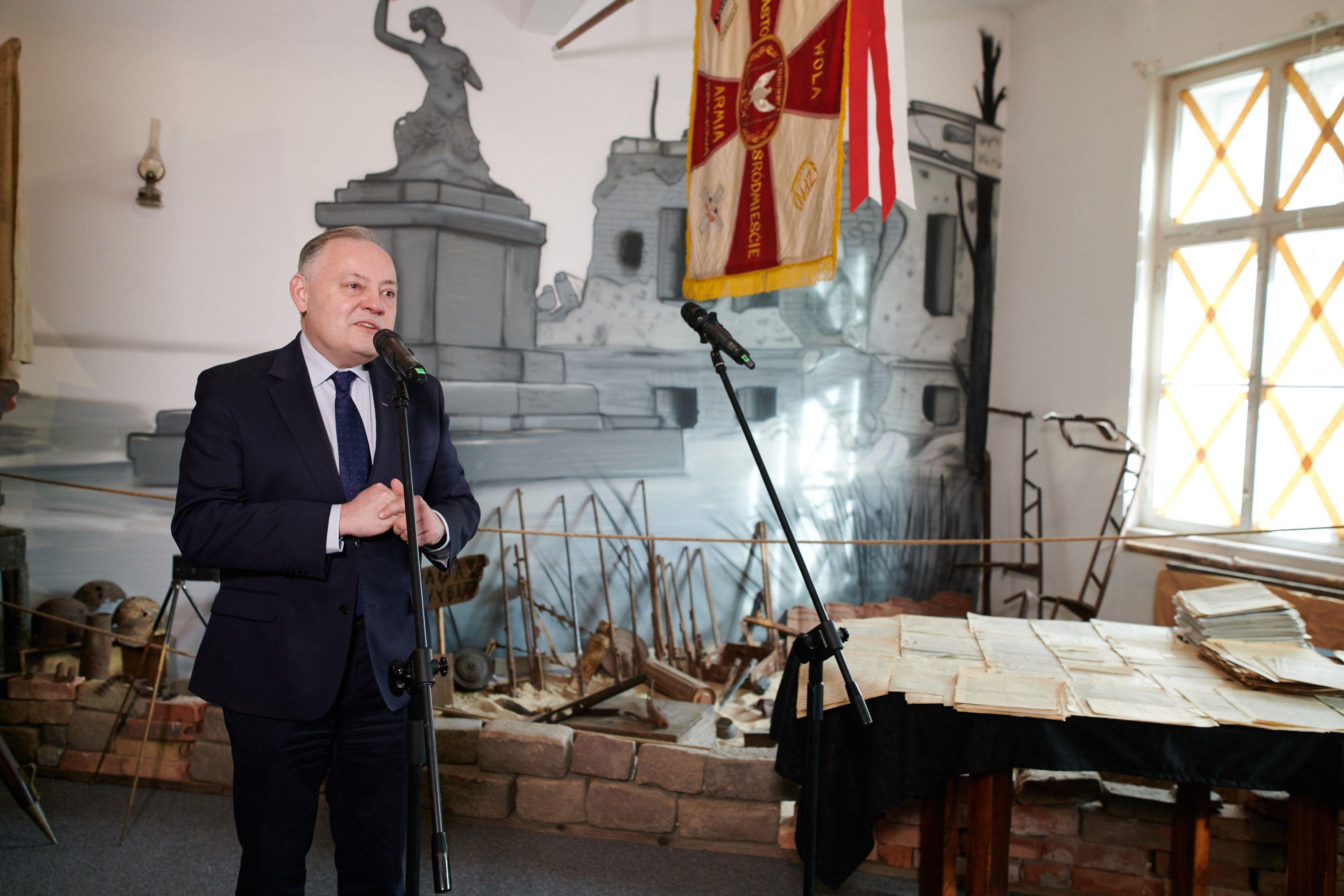 pge-przekazala-muzeum-pamieci-powstania-warszawskiego-unikalne-dokumenty-ak_2.jpg