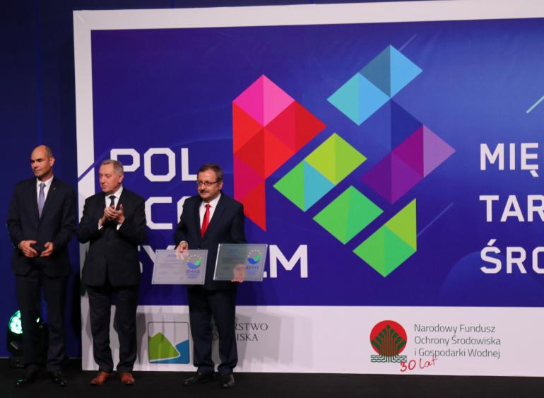 prezes-kasztelewicz-z-pge-giek-odbiera-ceryfikaty-emas-z-rak-ministra-kowalczyka.jpg